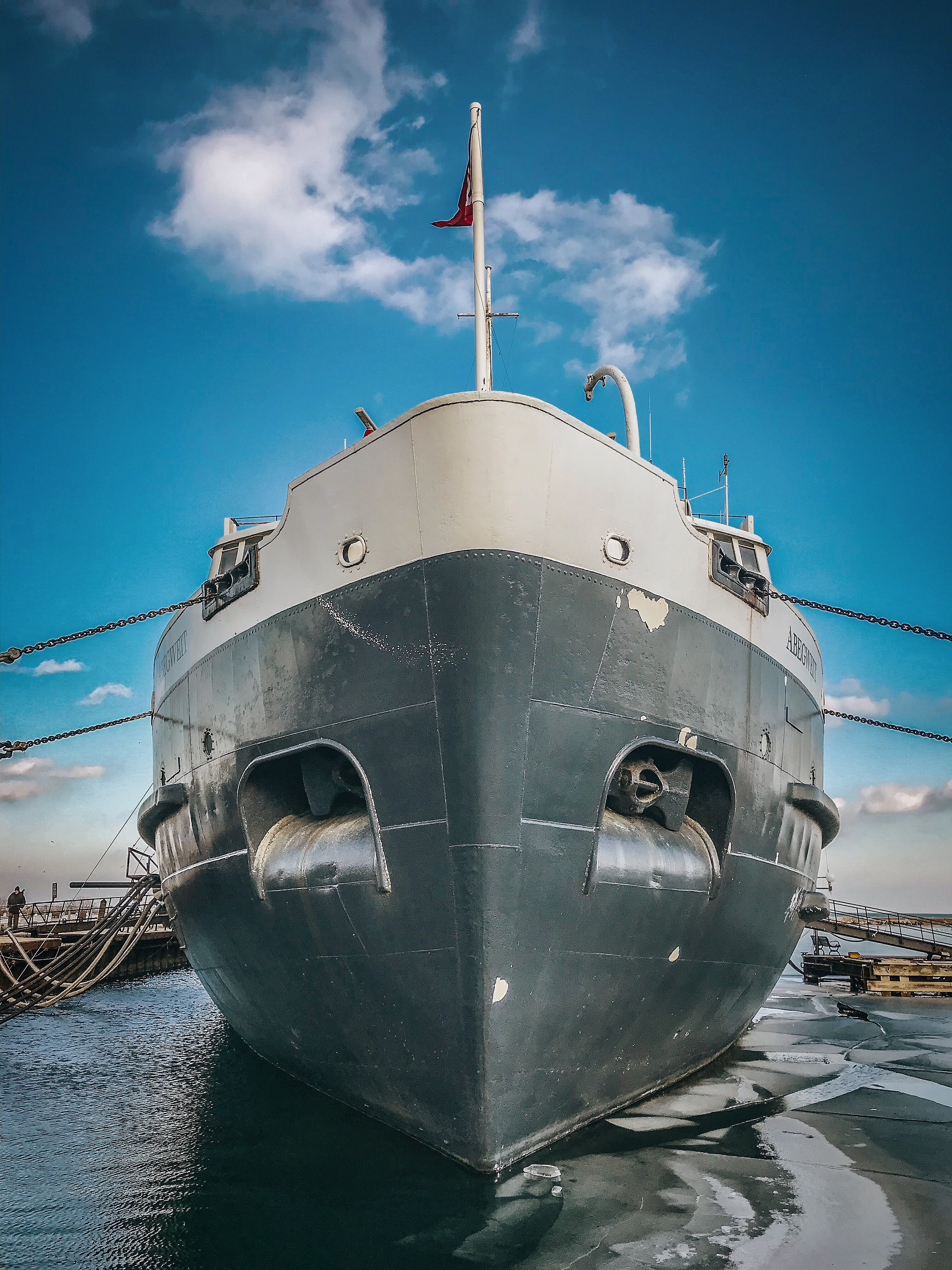 lasers for the shipbuilding industry photo